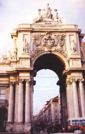 Arco da Rua Augusta - Comerce Scuare - Lisbon - Portugal Arco de la calle Augusta - Plaza del Comercio - Lisboa - Portugal