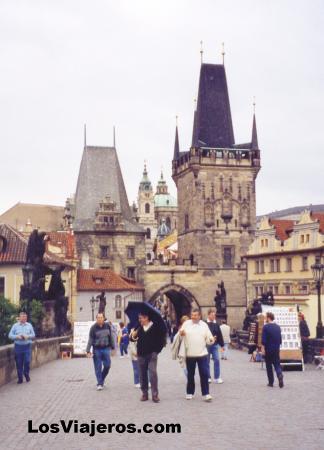 Karl's Bridge - Prague - Czech Republic Puente de carlos (extremo de Mala Strana) - Praga - República Checa - Checa Rep.
