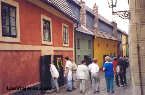 Narrow streets - Prague - Czech Republic Callejon de Oro de Hradcany, el barrio del castillo- Praga - República Checa - Checa Rep.