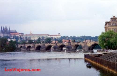 Karl's Bridge - Prague - Czech Republic Puente de Carlos - Praga - República Checa - Checa Rep.