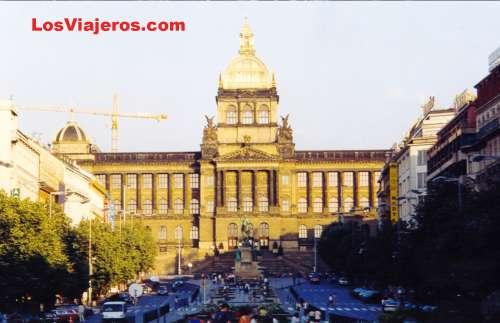 National Museum - Prague - Czech Republic Museo Nacional y  Plaza de San Wenceslao - Praga - República Checa - Checa Rep.