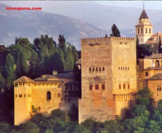Alhambra of Granada - Comares's Tower - Andalucia - Spain Alhambra de Granada - Torre de Comares - Andalucia - España