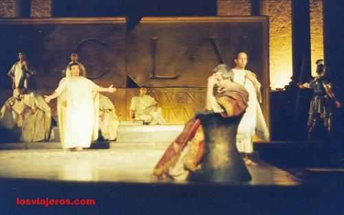 Performance in the Roman theater of Merida - Spain Actuacion nocturna en el Teatro Romano de of Merida - España - Espa�a