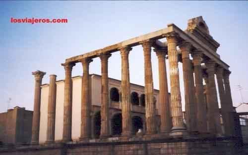 Diana's Temple in Merida - Extremadura - Spain  Templo de Diana en Merida - Extremadura - Espa�a