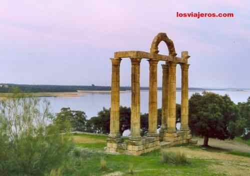 Roman Temple of Augustobriga - Extremadura - Spain Templo romano en Augustobriga - Extremadura - Espa�a