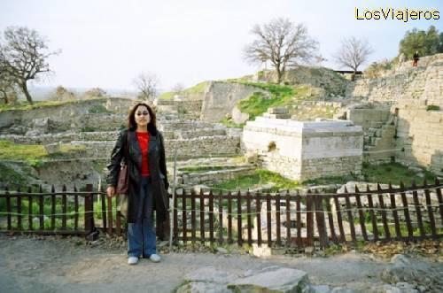 The author of this photo Gallery in Troy - Turkey Marta, la autora de estas fotos en Troya - Turquia